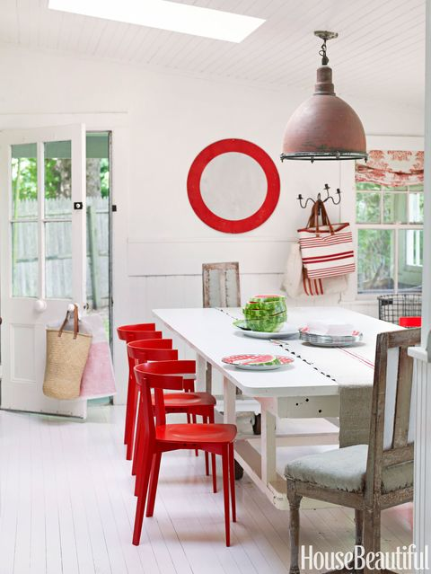 red accents dining room