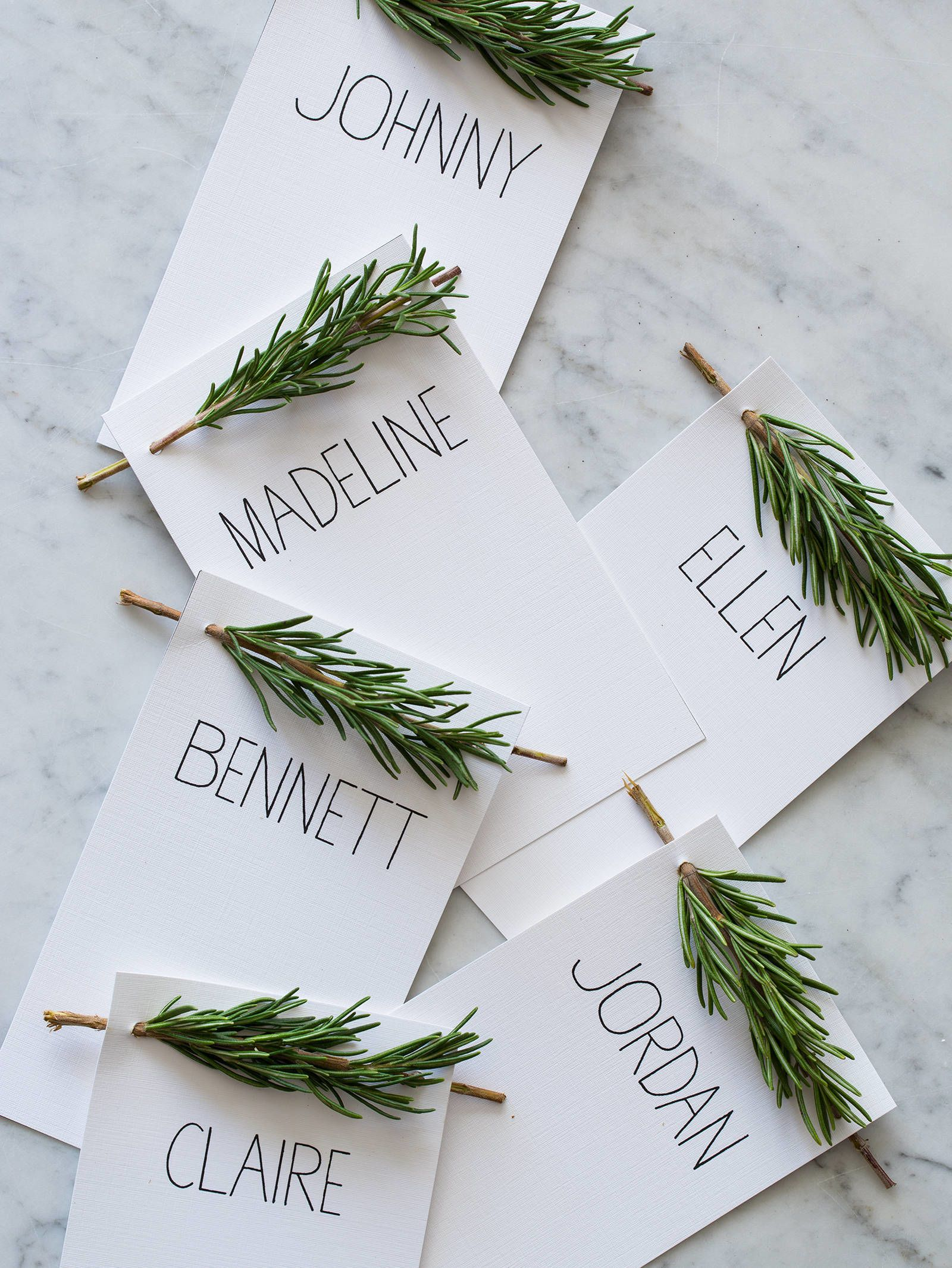 13 Creative DIY Place Cards For Your Turkey Day Table