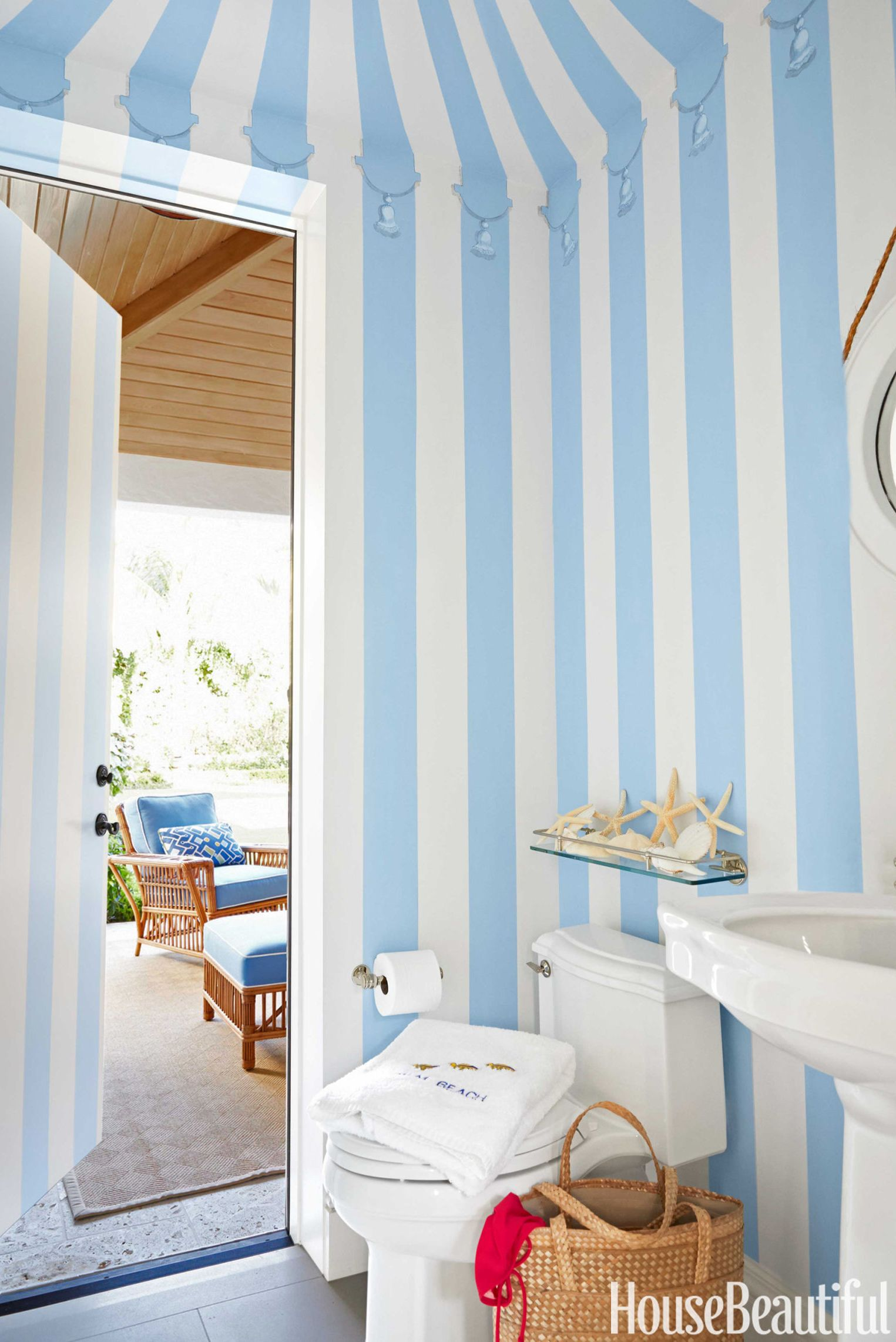 cabana powder room