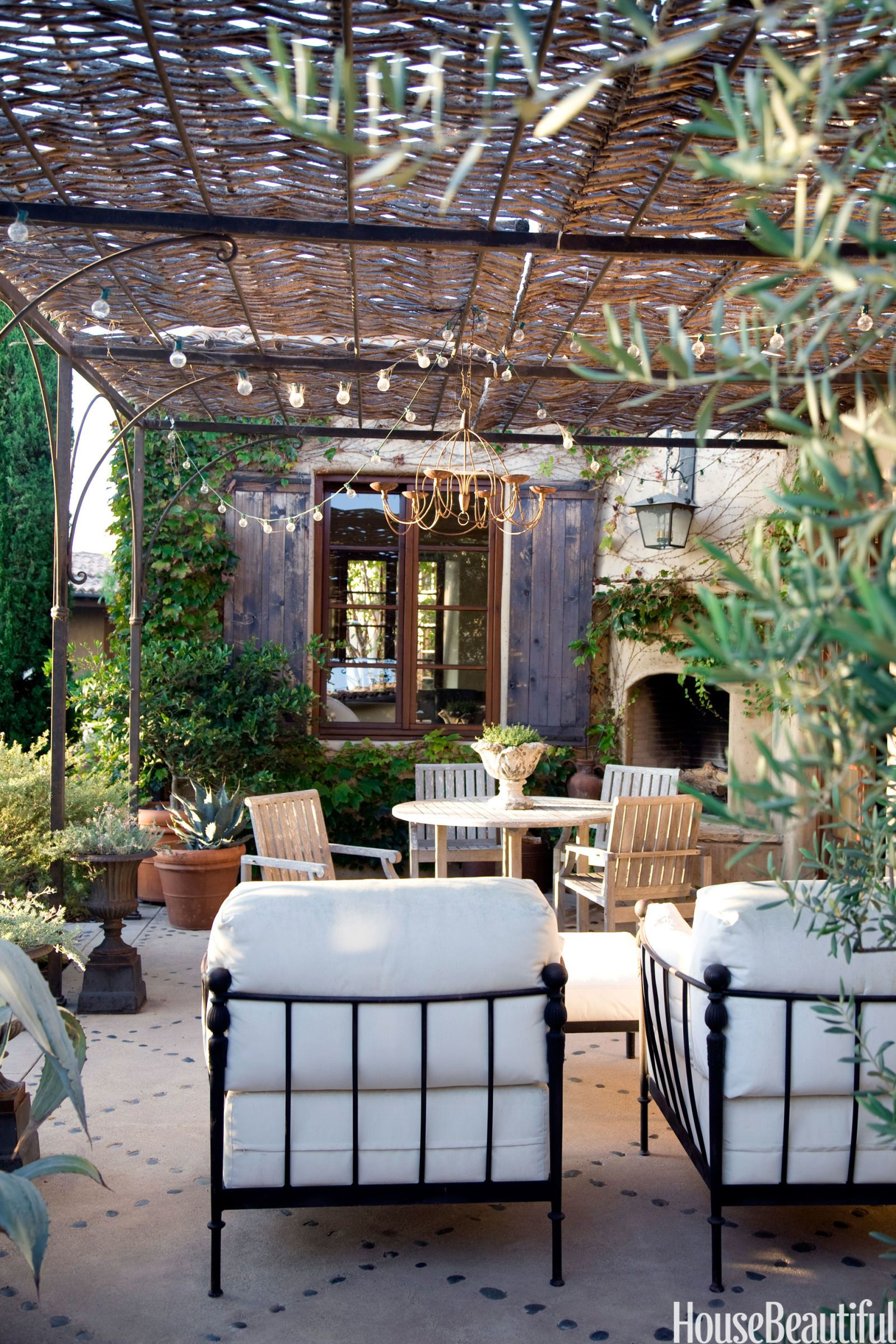 5 Most Popular Pins on Pinterest This Week: Decluttering Tips, A Romantic Patio, and More