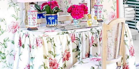 11 Ways to Decorate with Florals