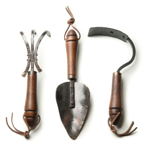 Product, Metal, Natural material, Iron, Steel, Silver, Nickel, Bronze, Sword, Dagger,