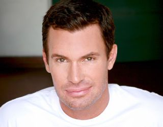 jeff lewis headshot