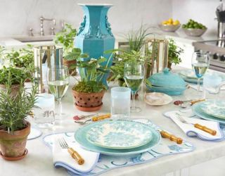 blue table setting & Tory Burch Table Setting Ideas