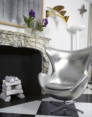 Egg Chair in Silver Leather