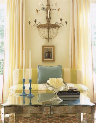 living room banquette
