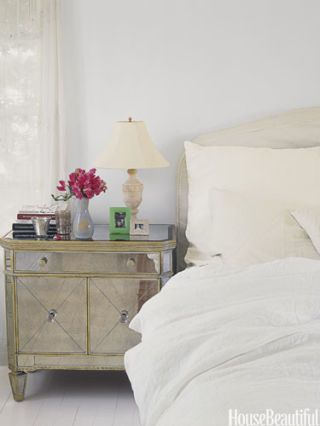 White Bedrooms - Ideas for White Bedroom Design