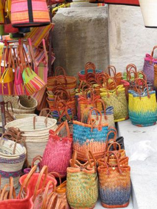 saint-remy colorful baskets