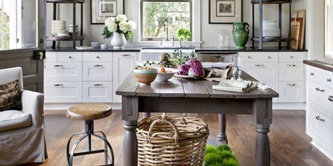 A Savannah Kitchen With European Elegance