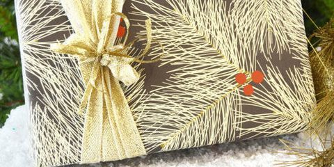 13 Gorgeous Holiday Wrapping Papers And Gift Bags