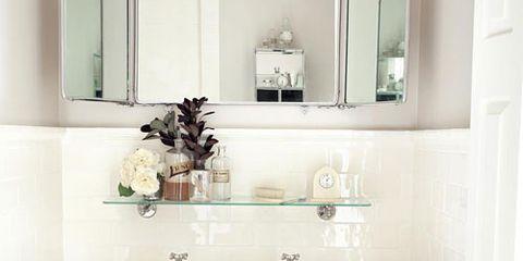 Sallick sink and mirror
