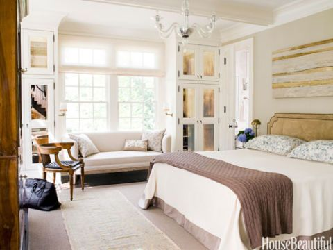chic and contemporary bedroom