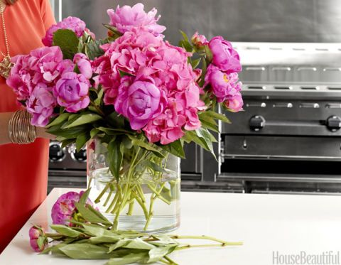 Interior Designer Amanda Nisbet Arranges Peonies With Pink Hydrangeas On The Set Of A House Beautiful Shoot