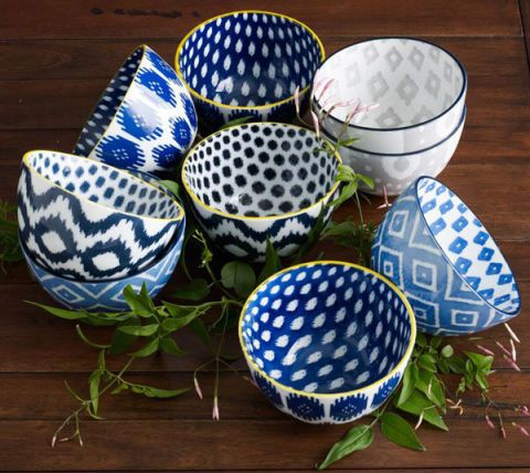 ikat kitchen design tea towels plates tea pot oven mitts apron bowls trays  sc 1 st  House Beautiful & 7 Stylish Ways to Slip Ikat Into the Kitchen - Apron Serving Trays ...