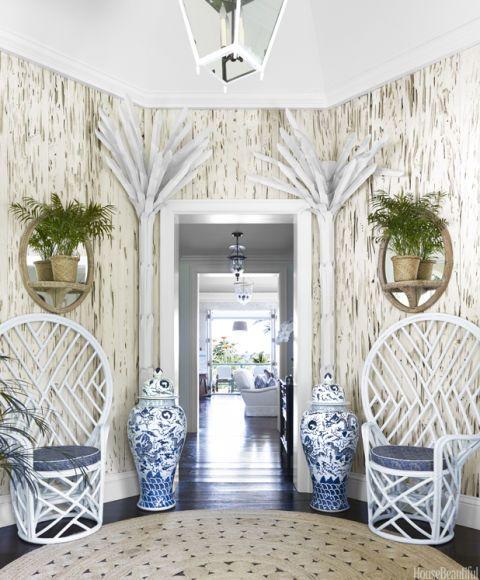 Beautiful Beach House Interiors: Beachy Decorating Style
