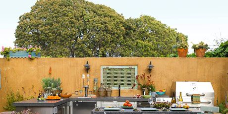 A Relaxing Outdoor Kitchen in California