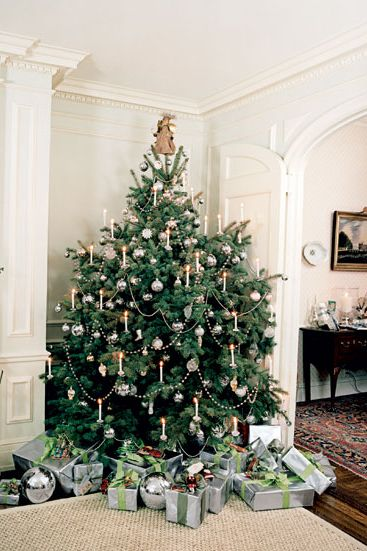 50 Decorating Ideas That'll Seriously Upgrade Your Christmas Tree