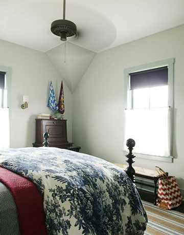 foot of bed and bench
