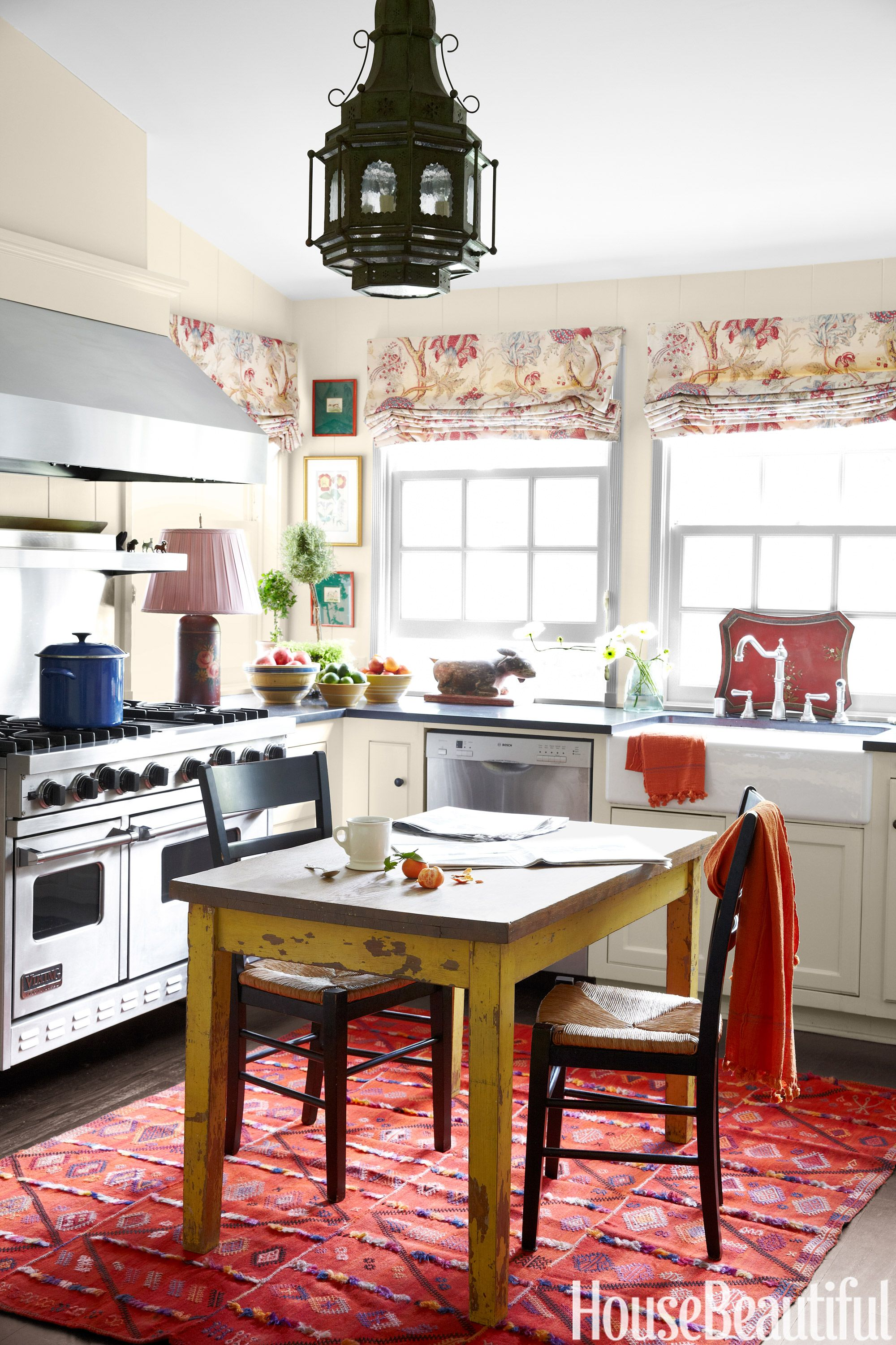 33 Best Kitchen Tables - Modern Ideas for Kitchen Tables
