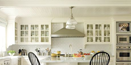 5 Ways to Add a Modern Twist to Traditional Decorating