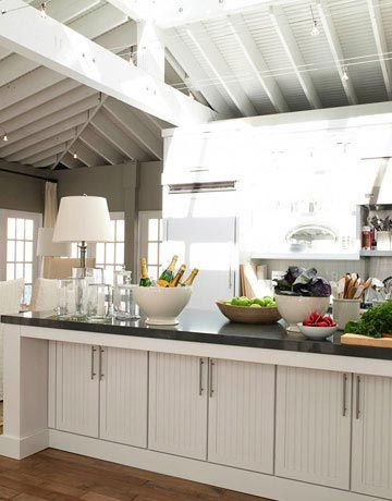 Nice Kitchen Island With Table Lamp