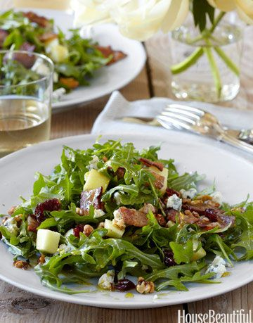 Salad With Arugula Bacon Les Walnuts And Cranberries
