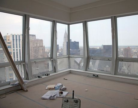 windows in corner of room