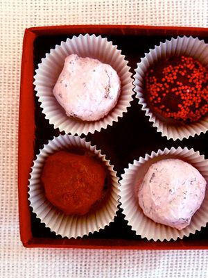 Delicious Chocolate Truffles to Make This Valentine's Day