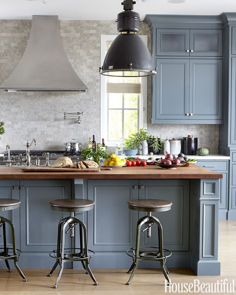 15 Stunning Gray Kitchens With Images: Kitchen Perfect For Entertaining