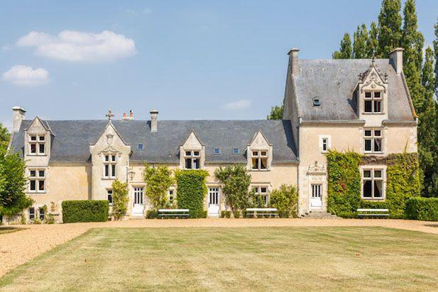 Surprisingly, It's Semi-Cheap To Rent Out A French Castle