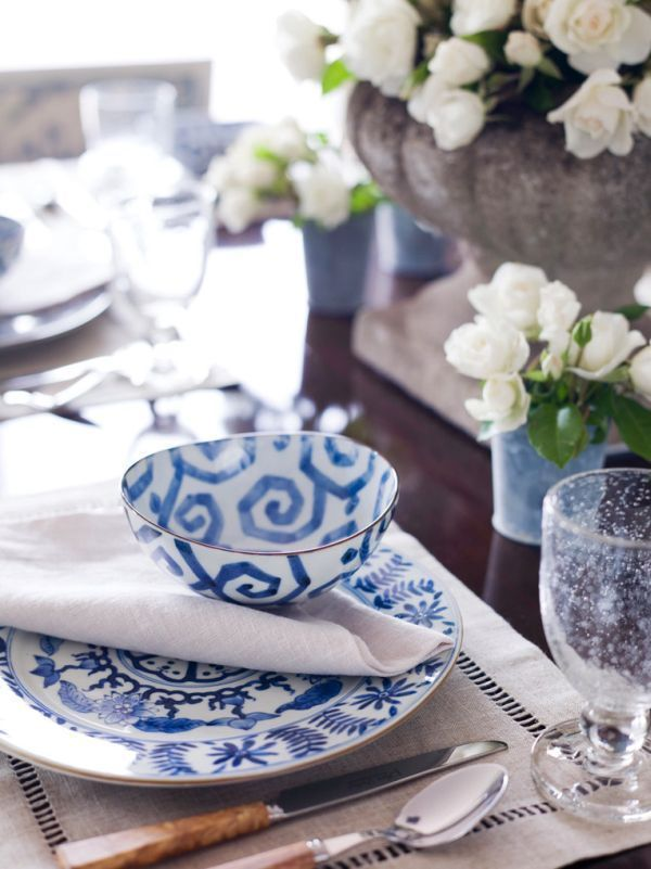 Blue And White Dishes And Table Settings - Tablescapes And Decorations In Blue U0026 White : blue and white table settings - pezcame.com