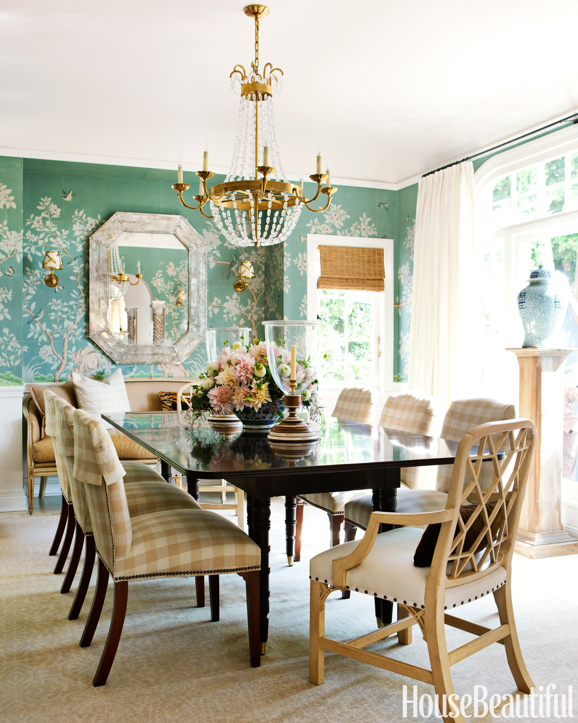 Decorating a Breezy, Caribbean-Inspired House