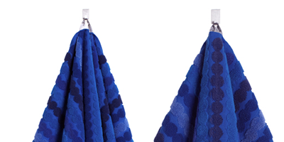 Blue, Earrings, Textile, White, Electric blue, Cobalt blue, Pattern, Azure, Aqua, Costume accessory,