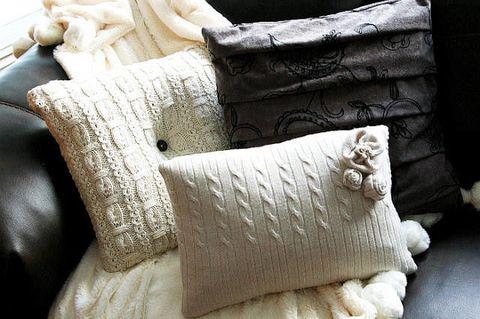 Textile, Cushion, Throw pillow, Linens, Beige, Pillow, Natural material, Creative arts, Slipcover, Towel,