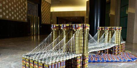 brooklyn bridge can sculpture