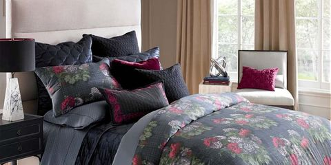 Room, Wood, Interior design, Floor, Bed, Property, Architecture, Textile, Bedding, Wall,