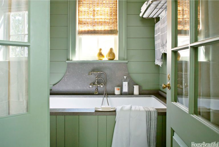 Gray Limestone Backsplash Bathtub