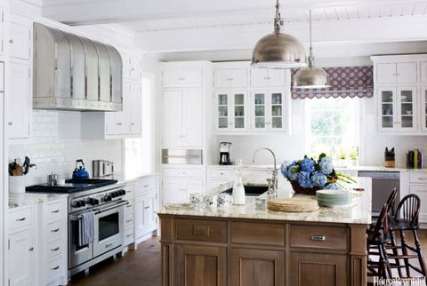 nantucket style kitchen