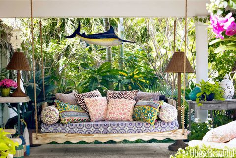 Top Pin of the Day: A Colorful Outdoor Daybed