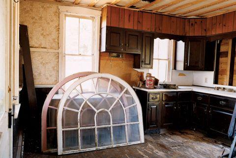 Wood, Room, Property, Floor, Drawer, Cabinetry, Interior design, Ceiling, Flooring, Kitchen,