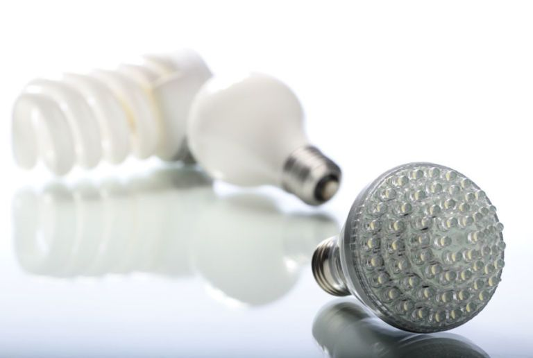 How to Choose Energy-Efficient Lightbulbs