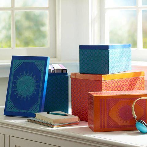 Teal, Turquoise, Aqua, Azure, Home accessories, Daylighting, Mug, Cup, Serveware, Coffee cup,