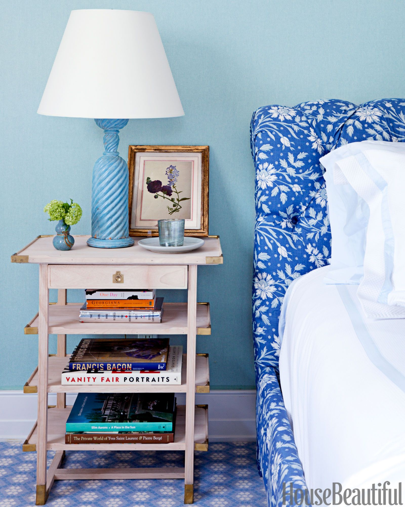 Bedside Table Tips How To Choose A Nightstand