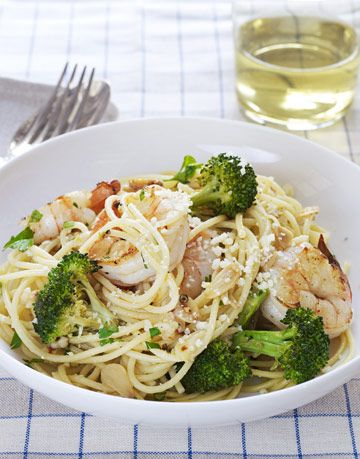 spaghetti with shrimp and broccoli