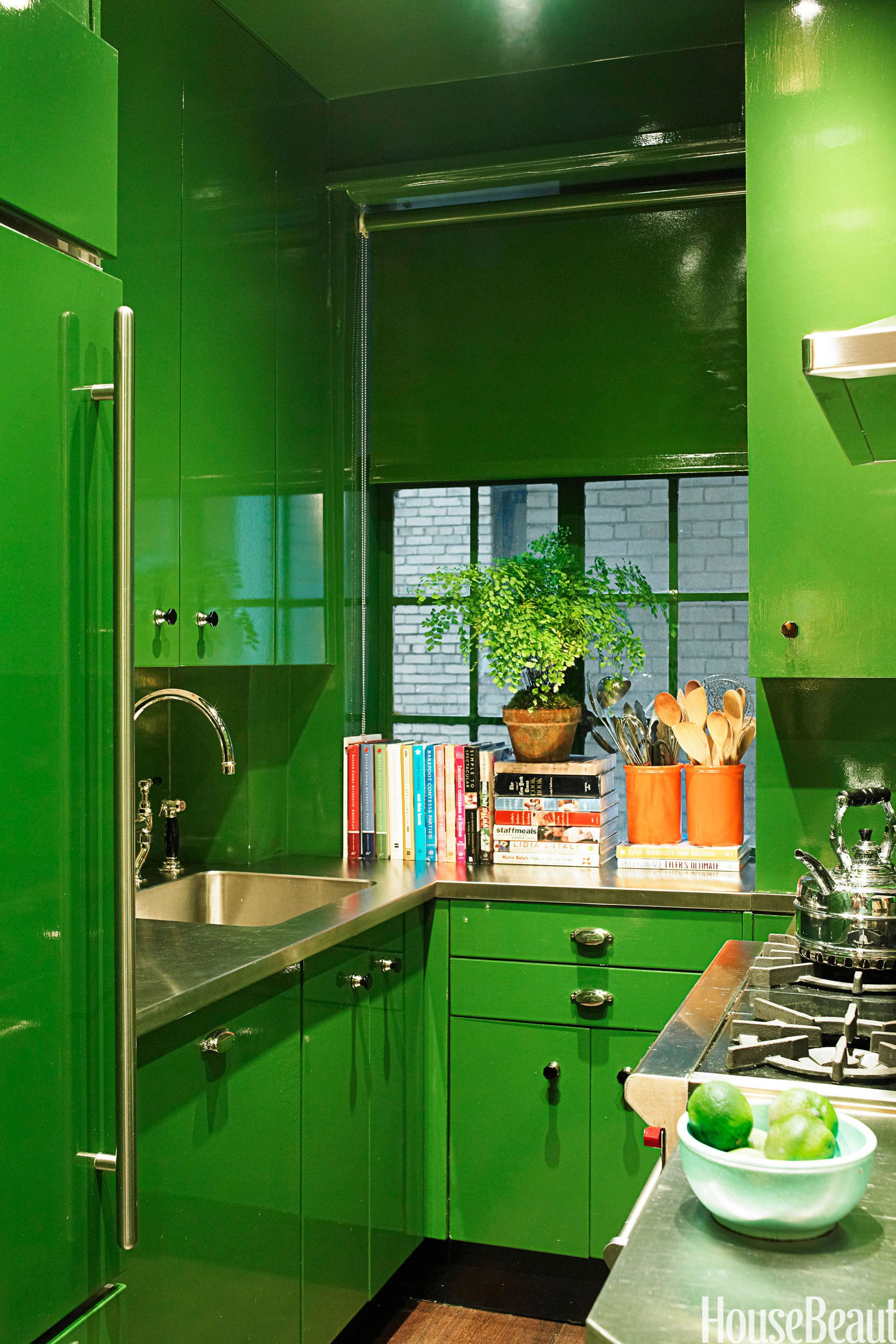 green high gloss kitchen