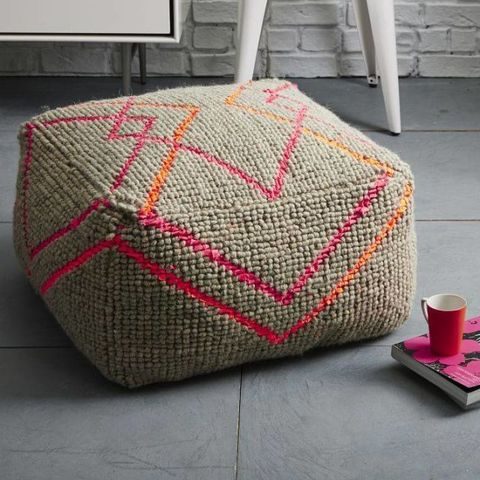 Astounding Stylish Poufs To Transform Your Space Chic Poufs For Your Home Uwap Interior Chair Design Uwaporg