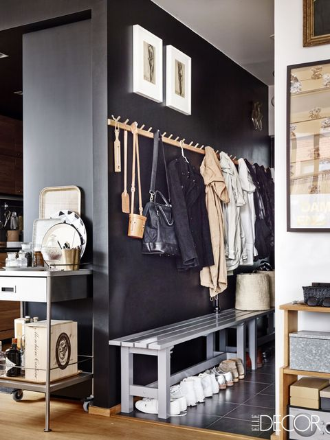 Room, Clothes hanger, Grey, Boutique, Collection, Picture frame, Closet, Shelving, Outlet store, Sweater,