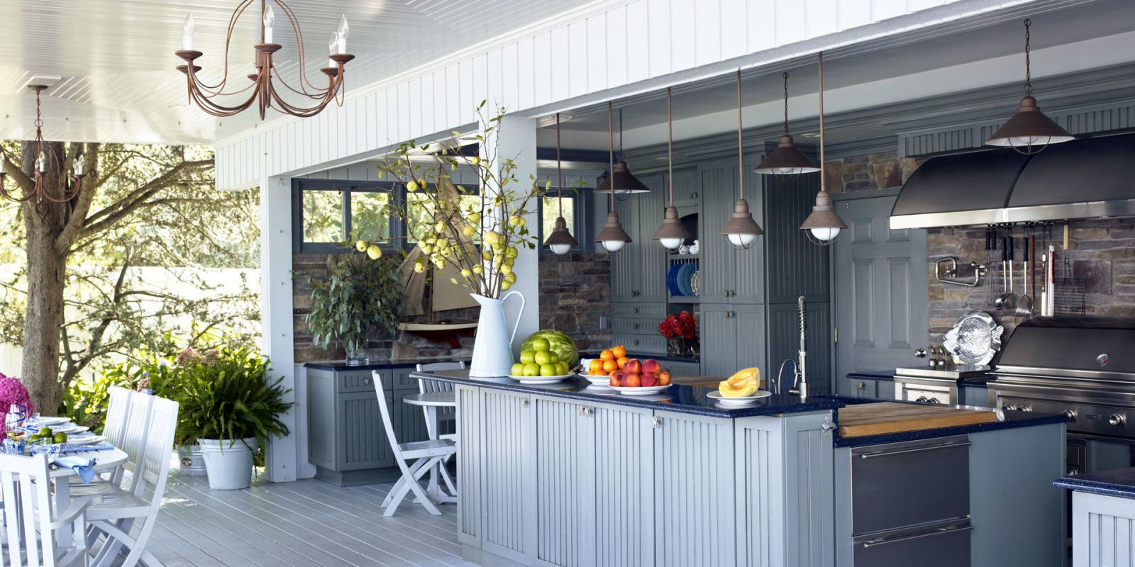 Attirant Blue Outdoor Kitchen