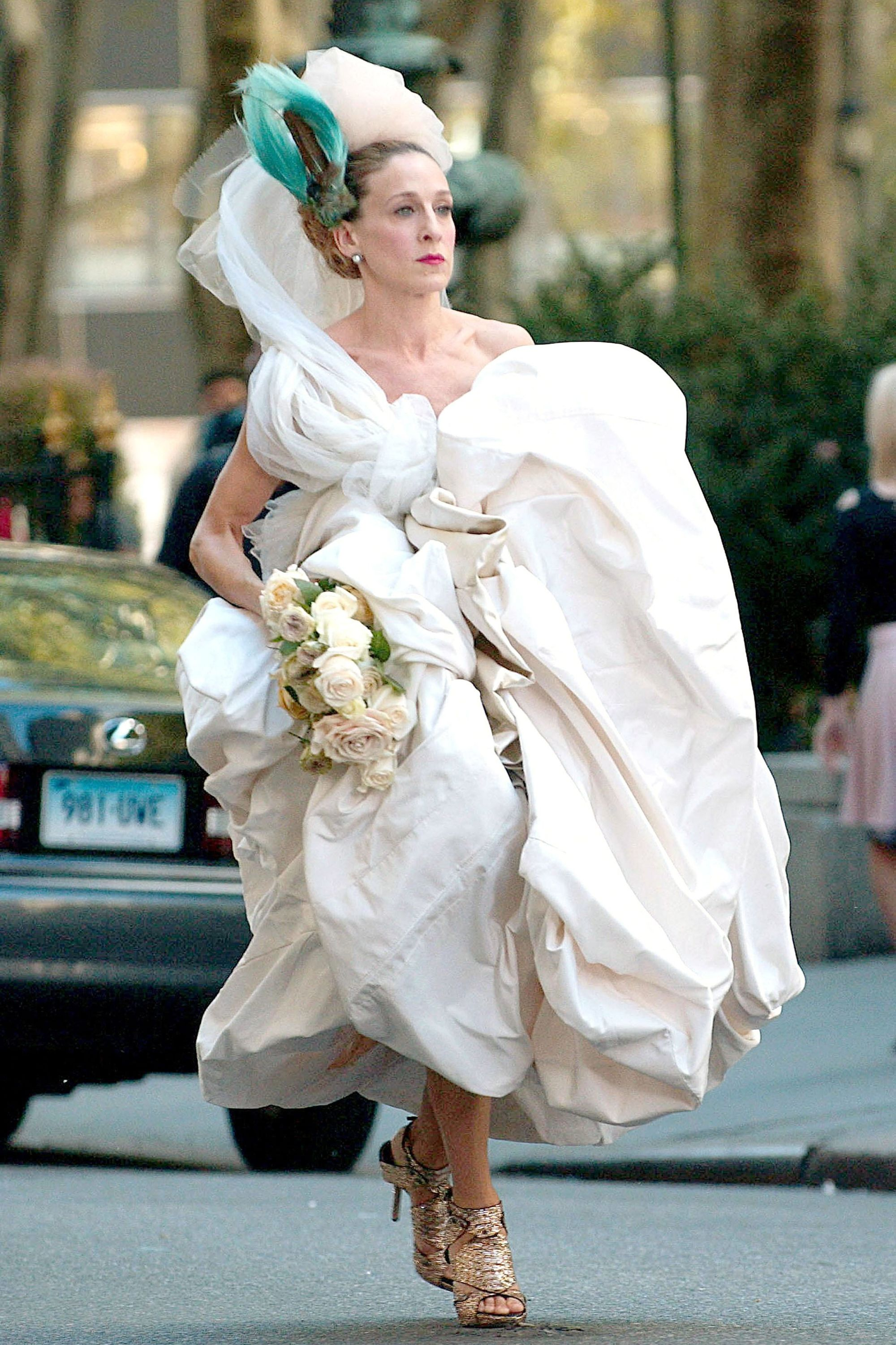 Carrie Bradshaw\'s 50 Best Looks of All Time