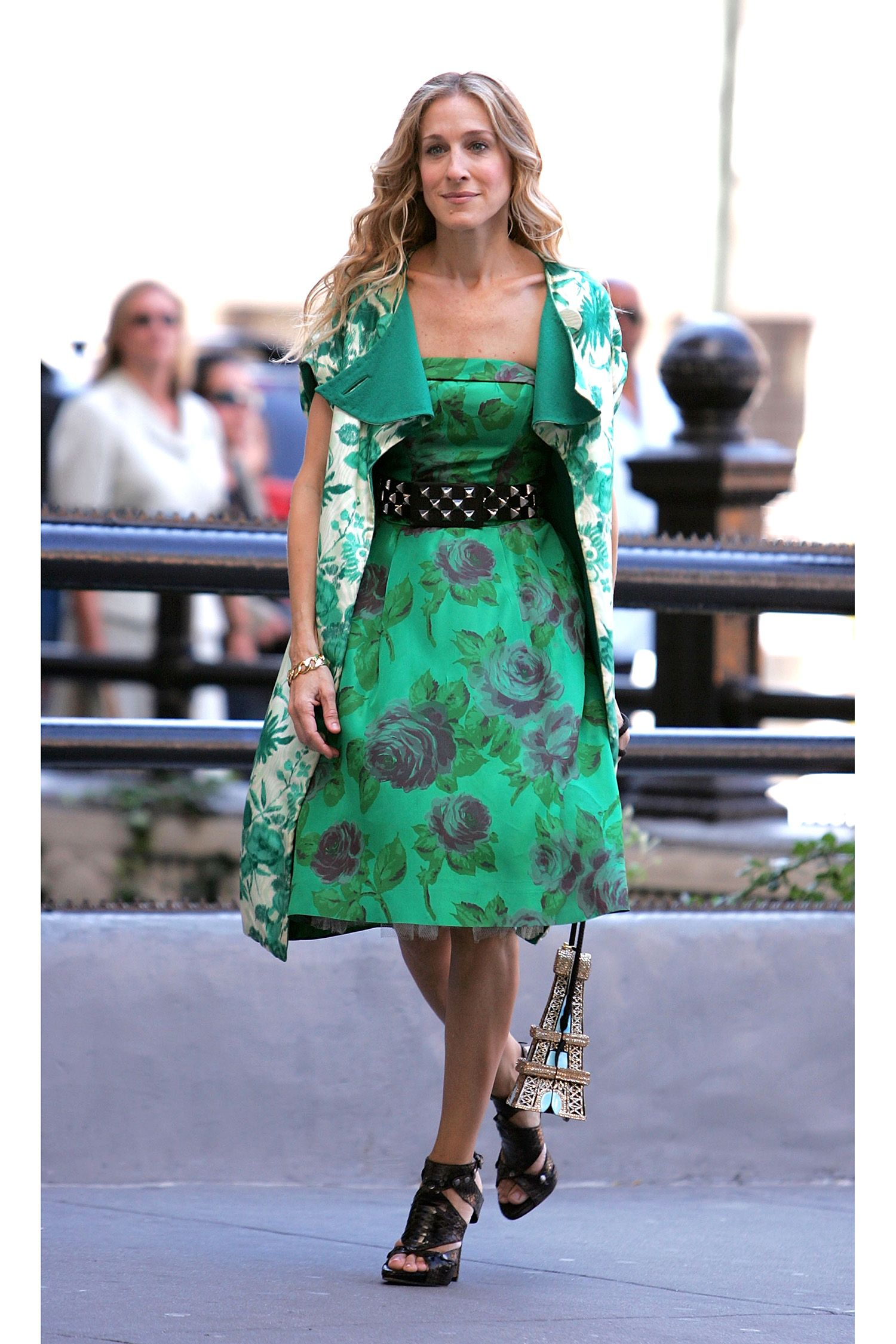 d85e94146 Carrie Bradshaw's 50 Best Looks of All Time